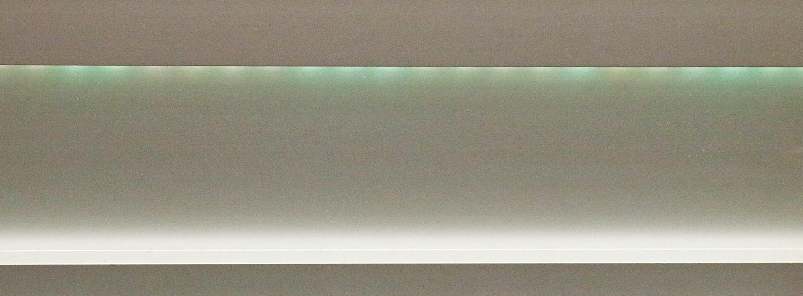green-led-light-vinson-aluminum-baseboard-1