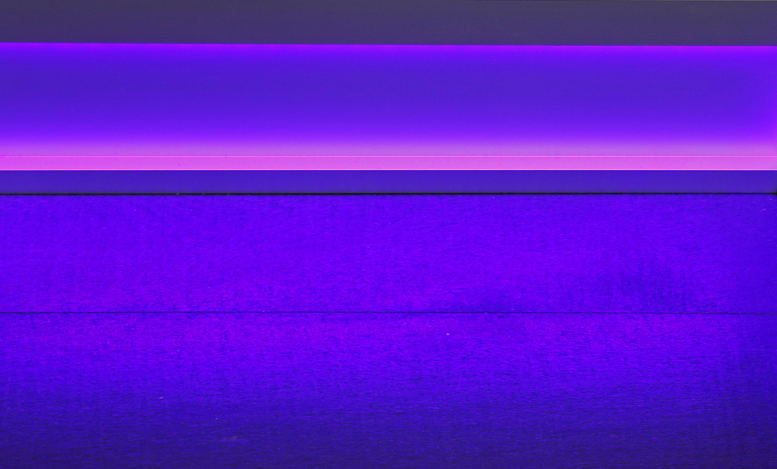 neon-purple-and-pink-led-light-vinson-aluminum-baseboard-1